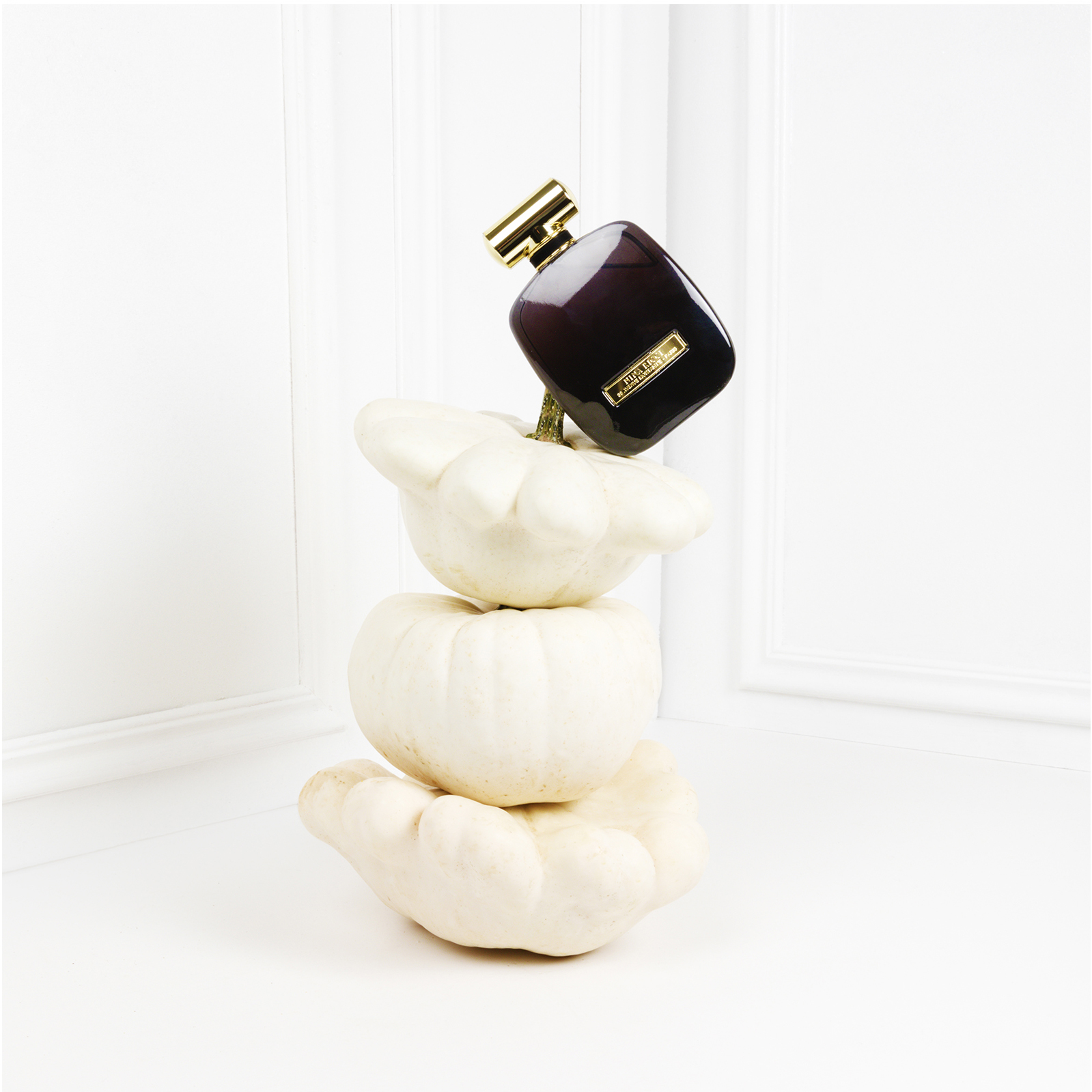 NINA RICCI FRAGRANCES · HALLOWEEN